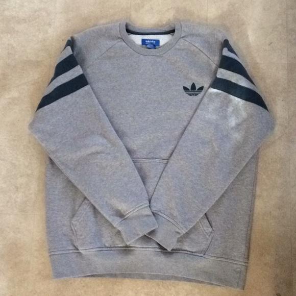 Men's Adidas Crewneck Sweatshirt!